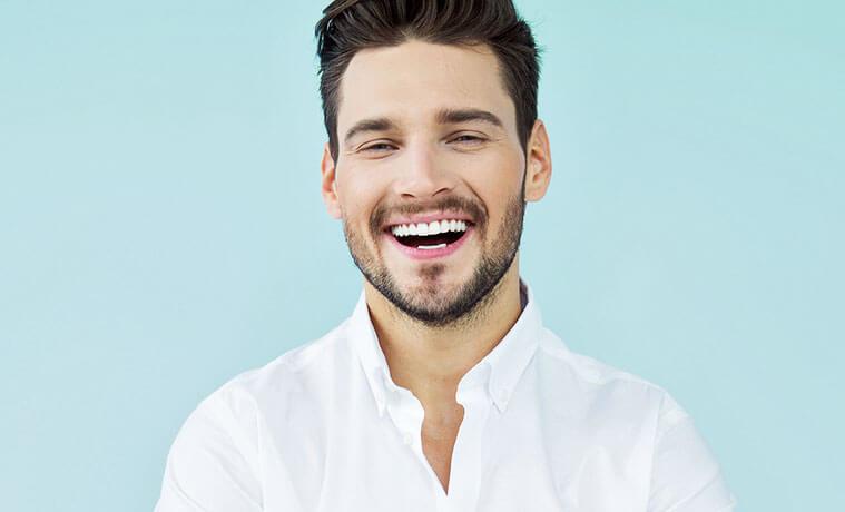 weiße zähne mann